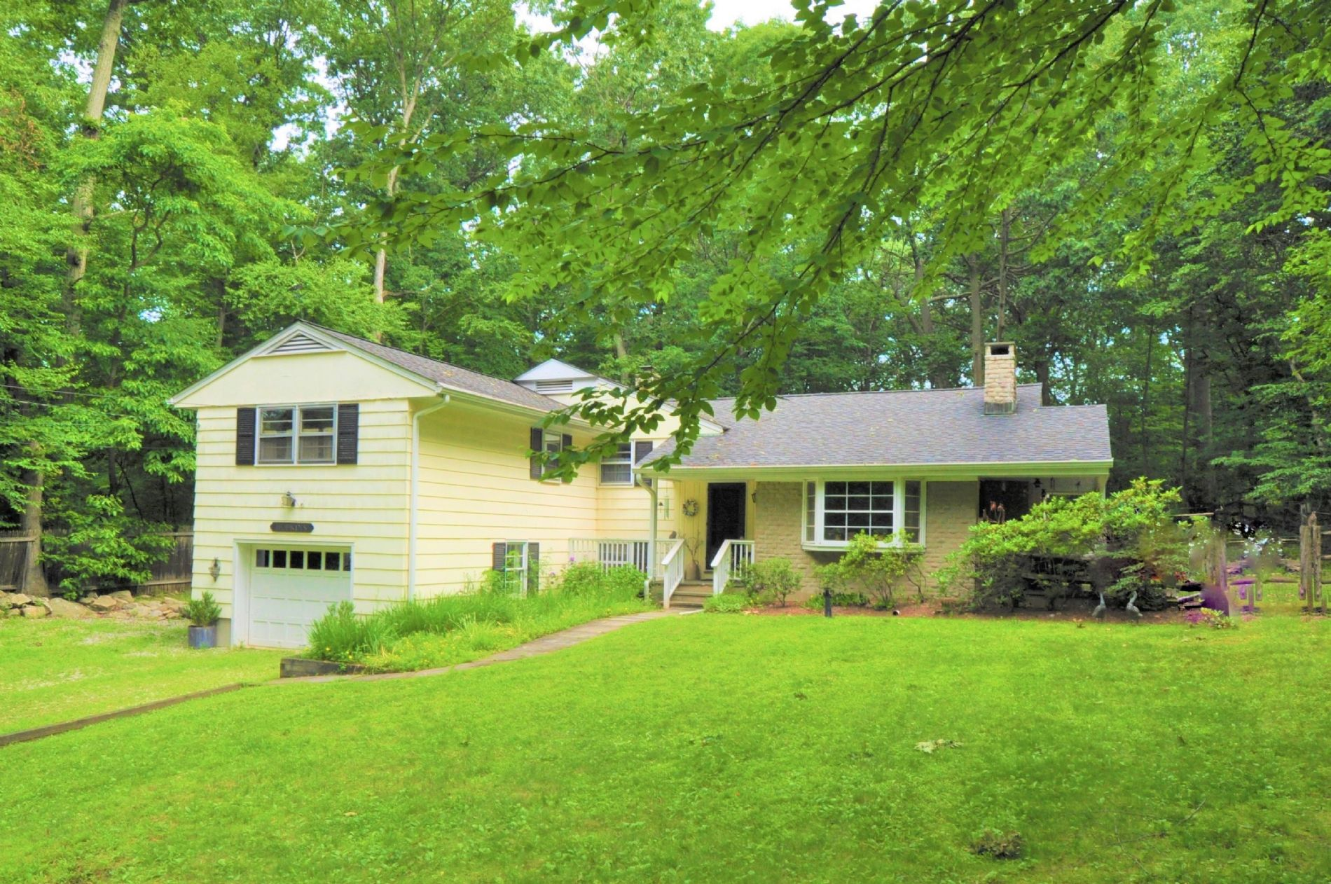 Abington Home, CT Real Estate Listing